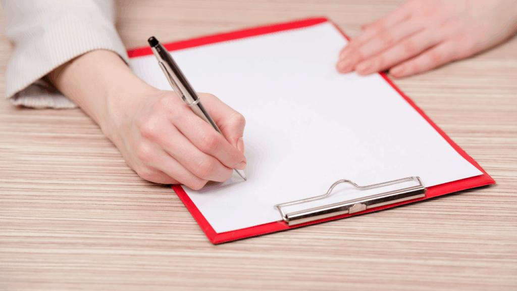 prendre des notes en début d'entretien d'embauche