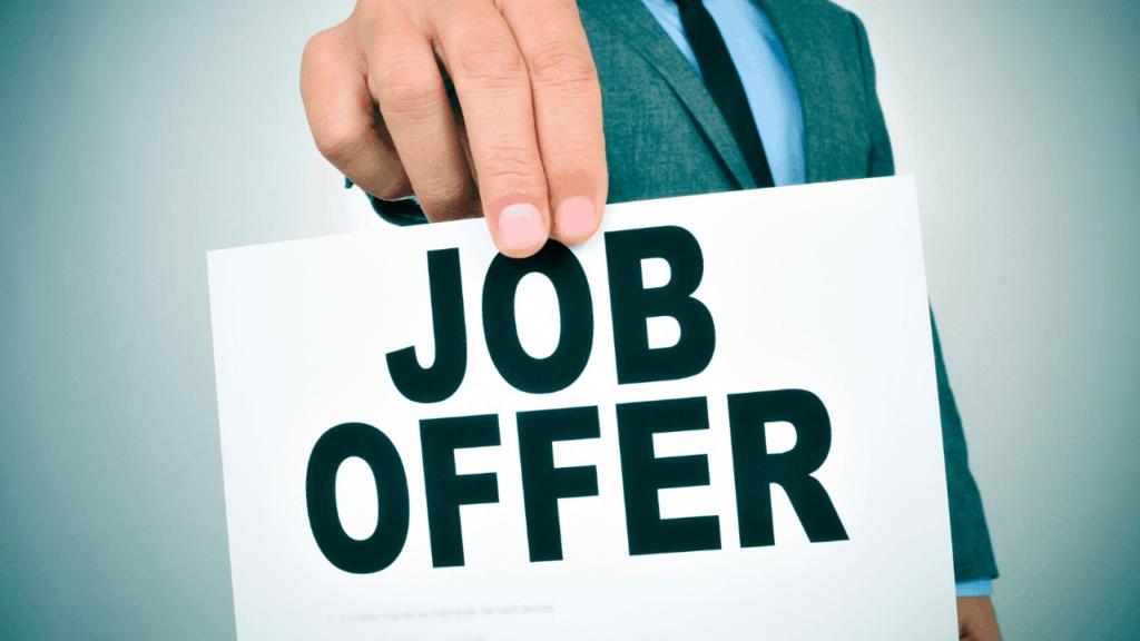 un cabinet de recrutement vous présentera d'avantage d'offres emploi intéressantes