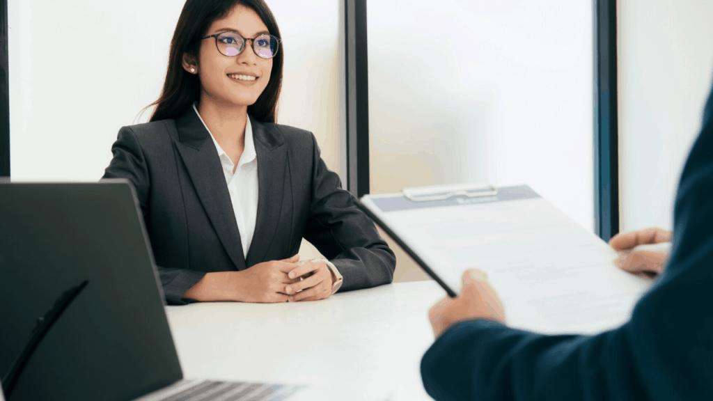 savoir se présenter en 2 minutes en entretien
